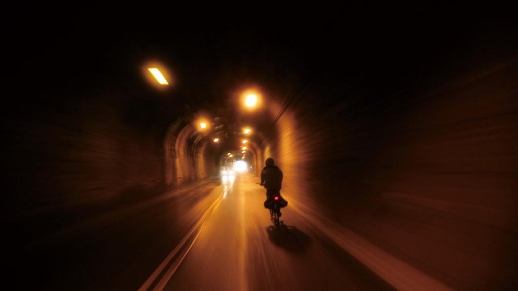 biker_riding_through_a_tunnel_in_taiwan