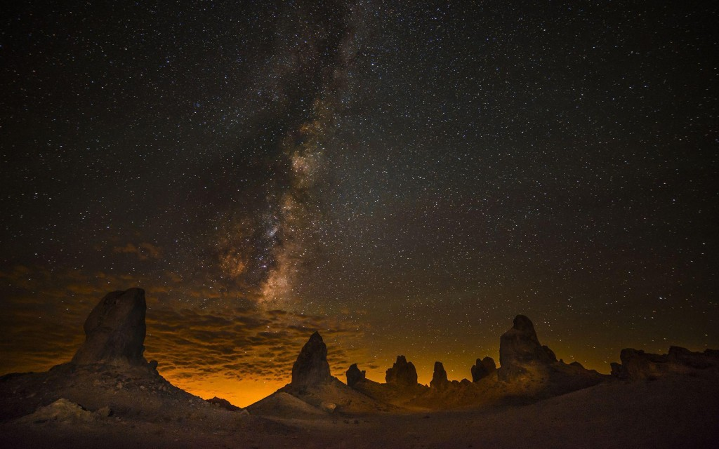 starry_sky_over_the_desert