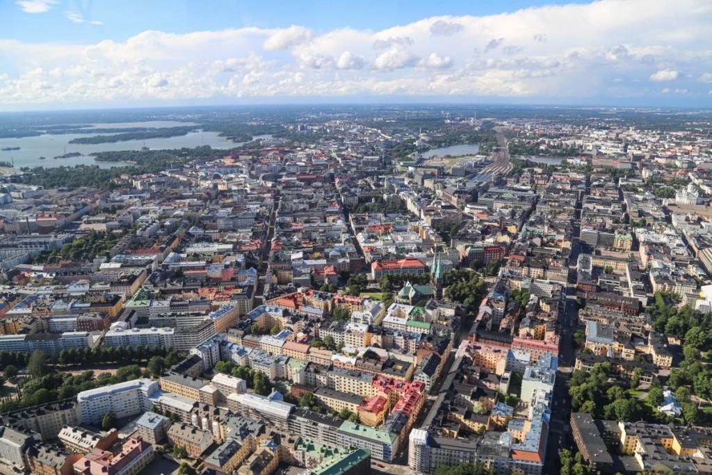Helsinki ilmasta nähtynä (kuvalähde: http://walleni.us/content/images/2015/08/lento19.jpg)